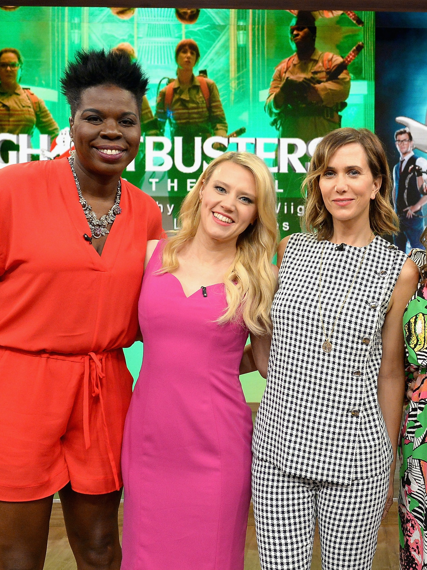MIAMI, FL - JULY 11:  Leslie Jones,Kate McKinnon,Kristen Wiig,Melissa McCarthy and Paul Feig is on the set of Univisions 'Despierta America' to support the film 'Ghostbusters' at Univision Studios on July 11, 2016 in Miami, Florida.  (Photo by Gustavo Caballero/Getty Images)