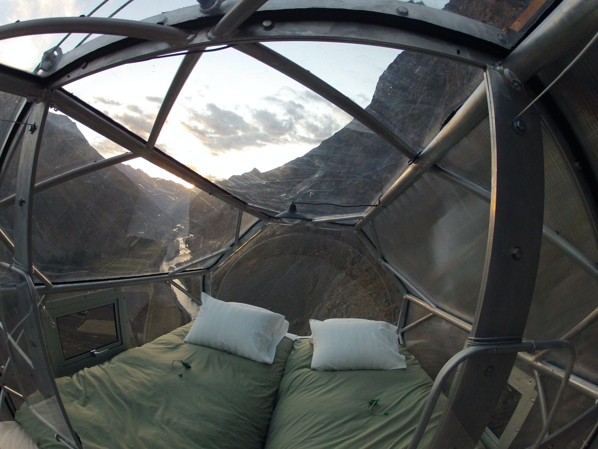 Hotel, mountain