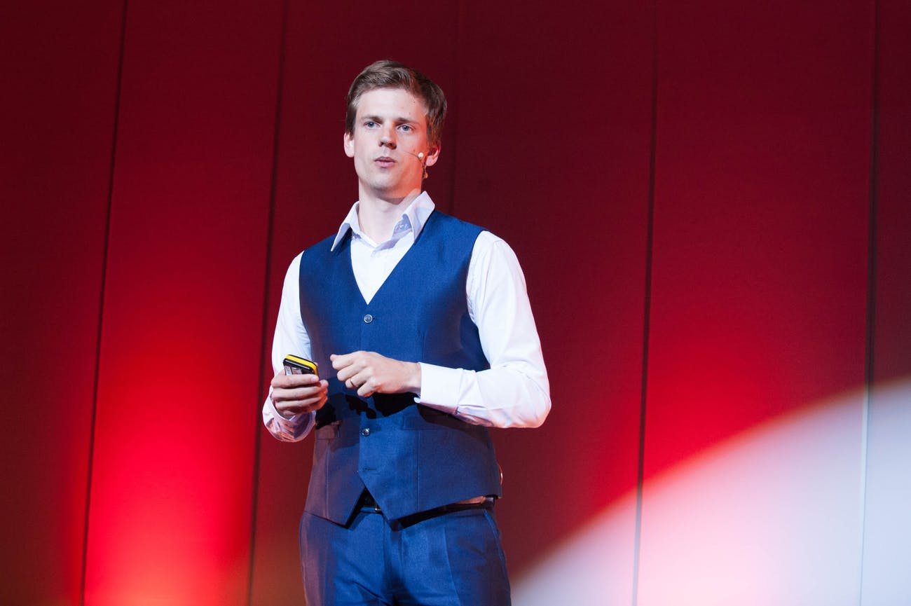 Kaspar Korjus speaking at a TEDx talk in 2016.