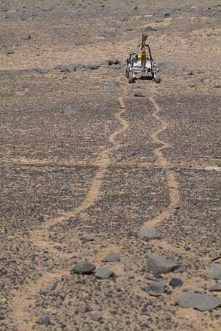 The KREX-2 rover navigates autonomously in the Atacama Desert.