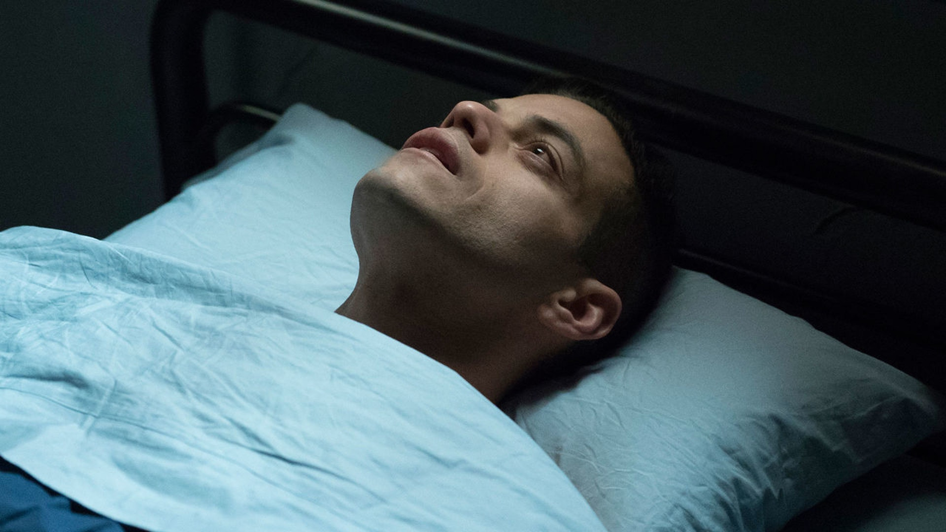 "Elliot (Rami Malek) dreams of a future in ""eps2.2_init1.asec"" and it's one he's willing to fight for. But will he survive?"