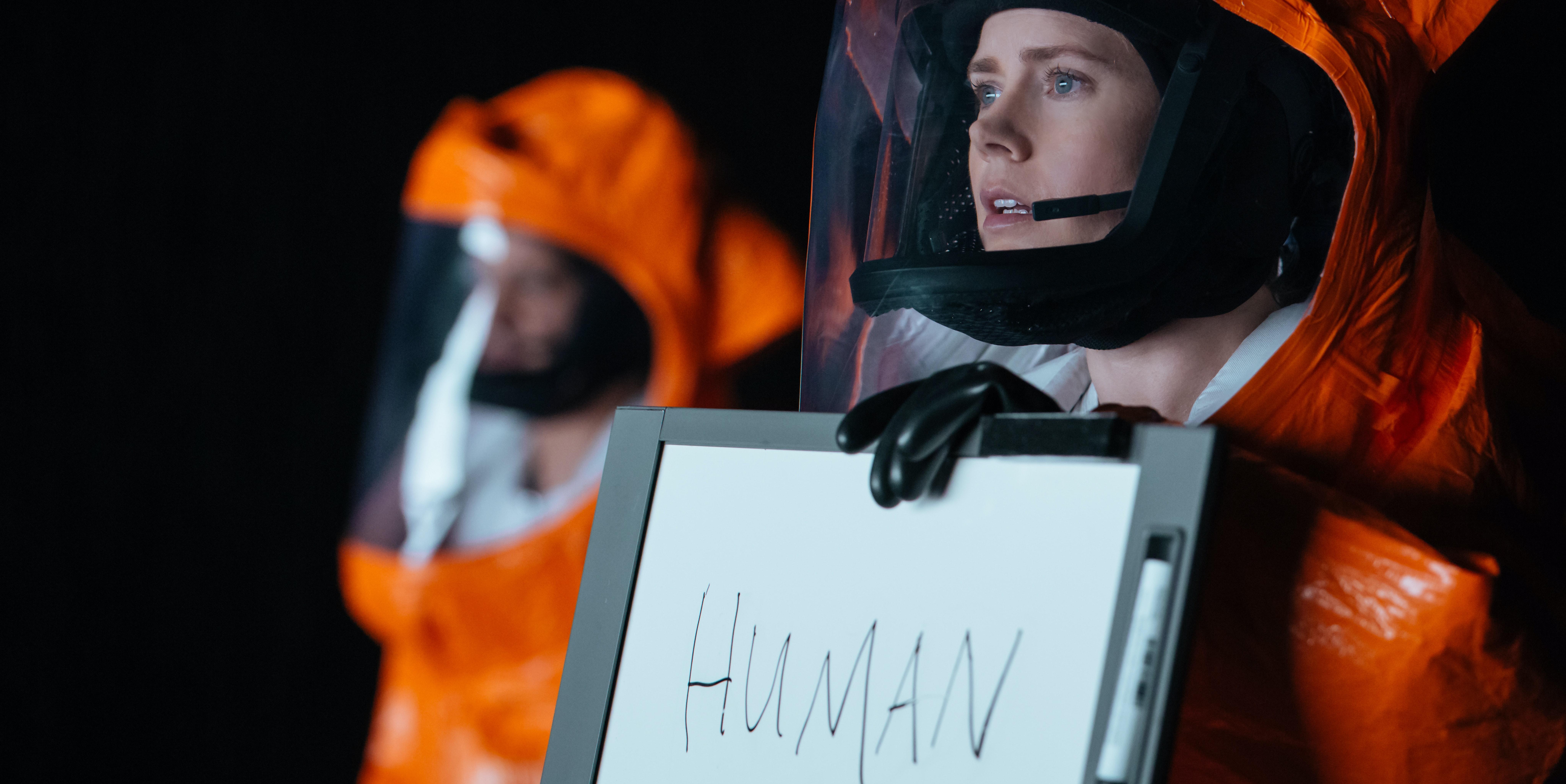arrival amy adams linguist alien language