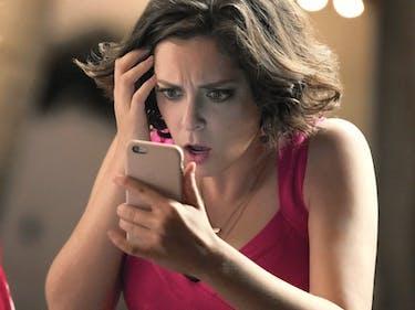 Rachel Bloom Demands 'Crazy Ex' Crossover With 'The Flash'