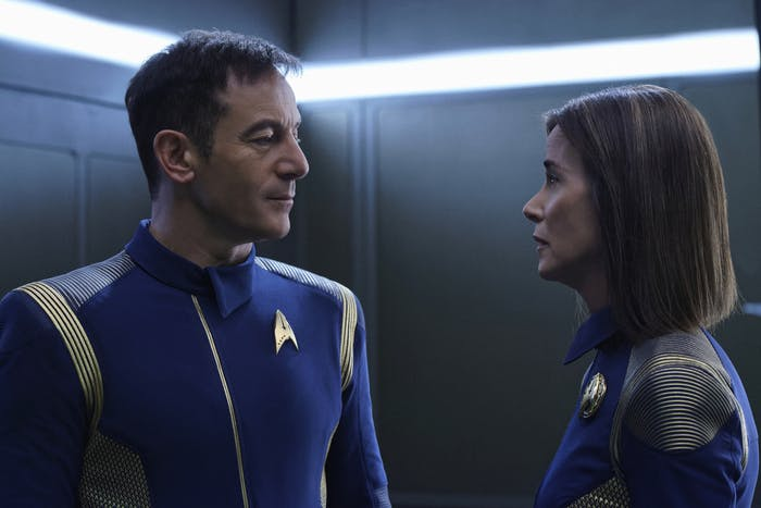 Admiral Cornwell and Captain Lorca on 'Star Trek: Discovery'