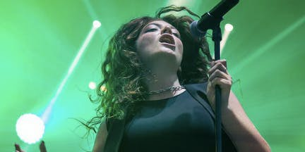 Lorde has synesthesia.