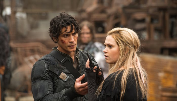 Bob Morley and Eliza Taylor in 'The 100' Season 4