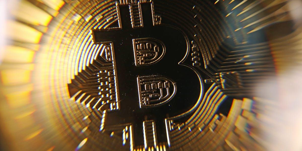 Coinbase keeps crashing