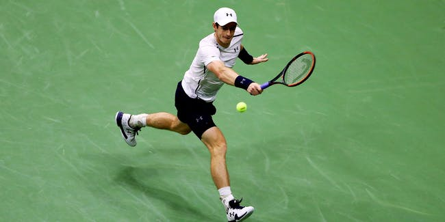 NEW YORK, NY - SEPTEMBER 07: Andy Murray of Great Britain returns a shot to Kei Nishikori of Japan during their Men's Singles Quarterfinal match on Day Ten of the 2016 US Open at the USTA Billie Jean King National Tennis Center on September 7, 2016 in the Flushing neighborhood of the Queens borough of New York City. (Photo by Elsa/Getty Images)