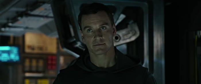 Fassbender Walter in Alien: Covenant