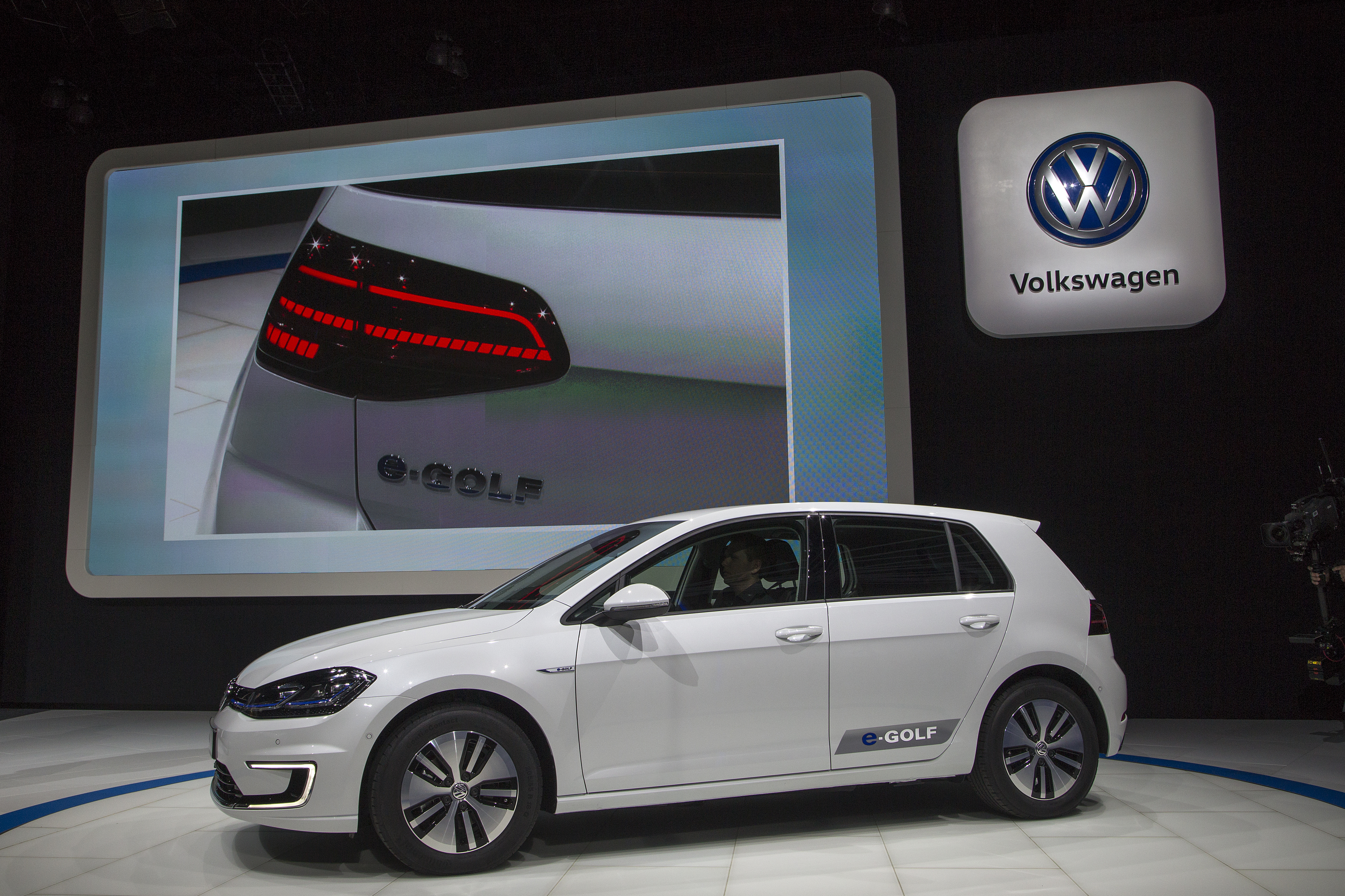moia is how volkswagen plans to win the mobility wars inverse