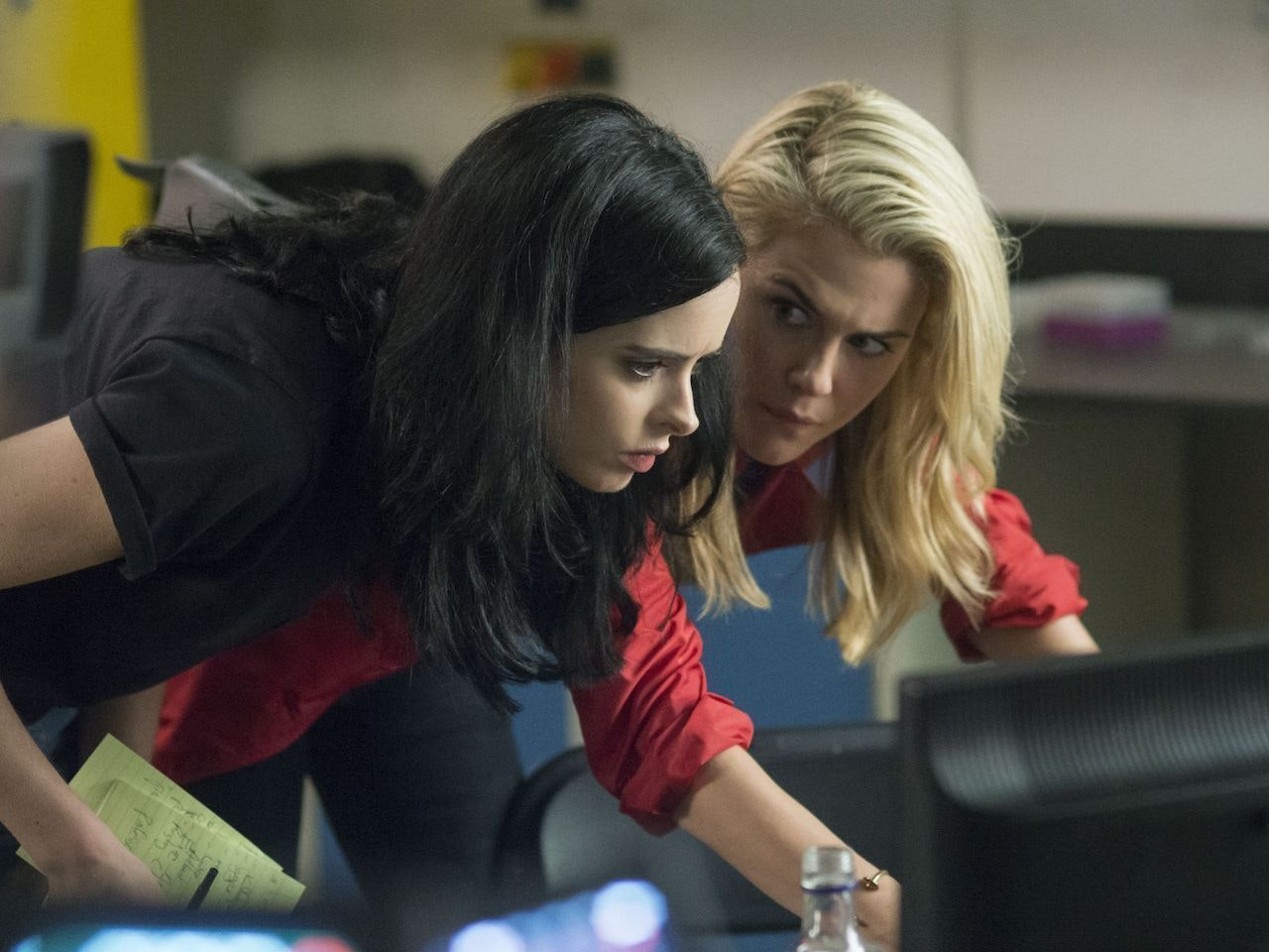 "Will Jessica Jones Season 2 Satisfy Fanfic Shippers? ""One Never Knows"""