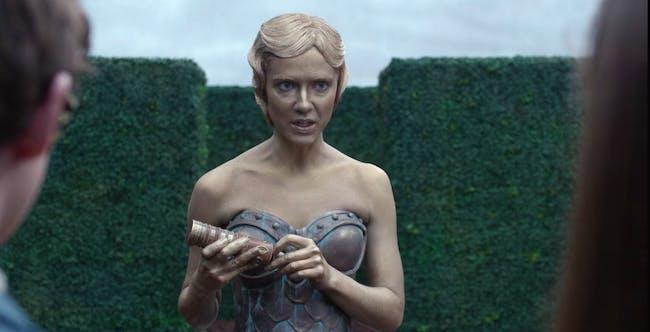 Sara Canning as Jacquelyn