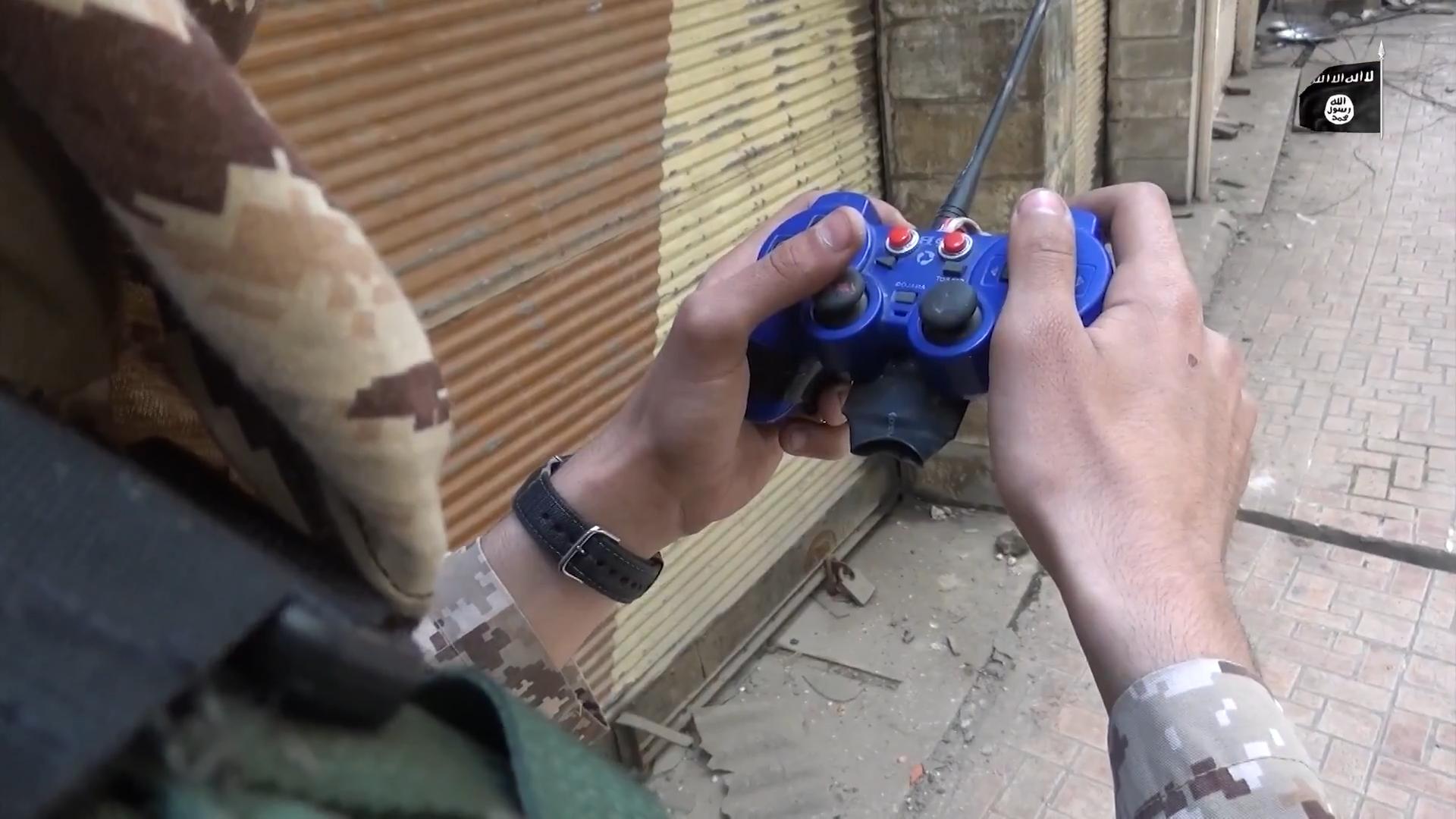Playstation 2 сражается на стороне ИГИЛ