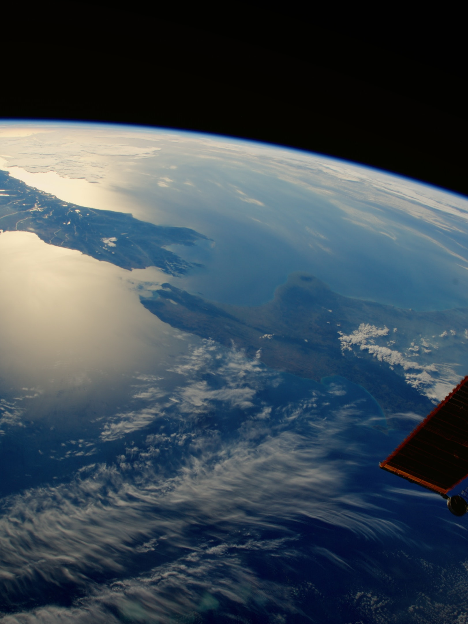 """Six NASA Astronauts Describe the Moment in Space When """"Everything Changed"""""""