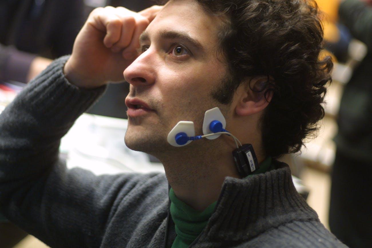 EEG, EKG, EMG, GSR and Transcranial Magnetic Stimulation @ Main d'oeuvres insitu.lri.fr/~labrune/blog/2008/03/22/biosignals-workshop/ www.noraxon.com/aurion/zerowire.phpBiosignals Workshop -  Art & Science emotions