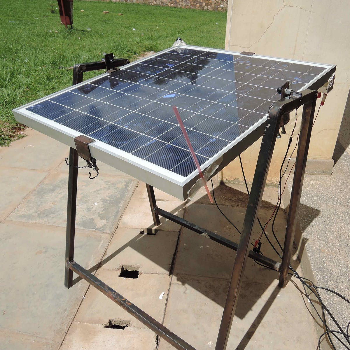 Solar Energy: Rotating Solar Panels Can Increase Efficiency by 32 Percent