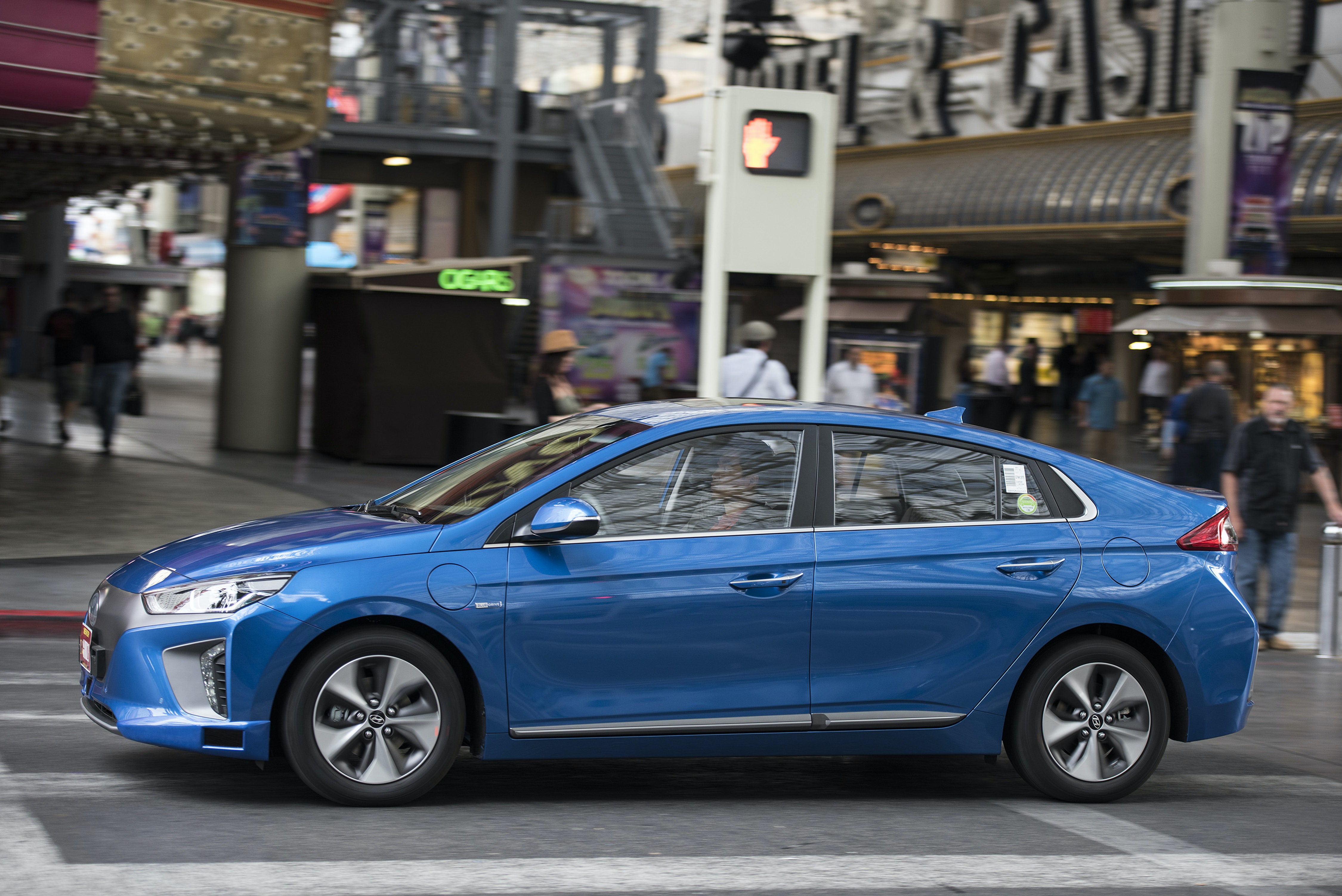 Hyundai wants to subscribe to its all-electric Ioniq.