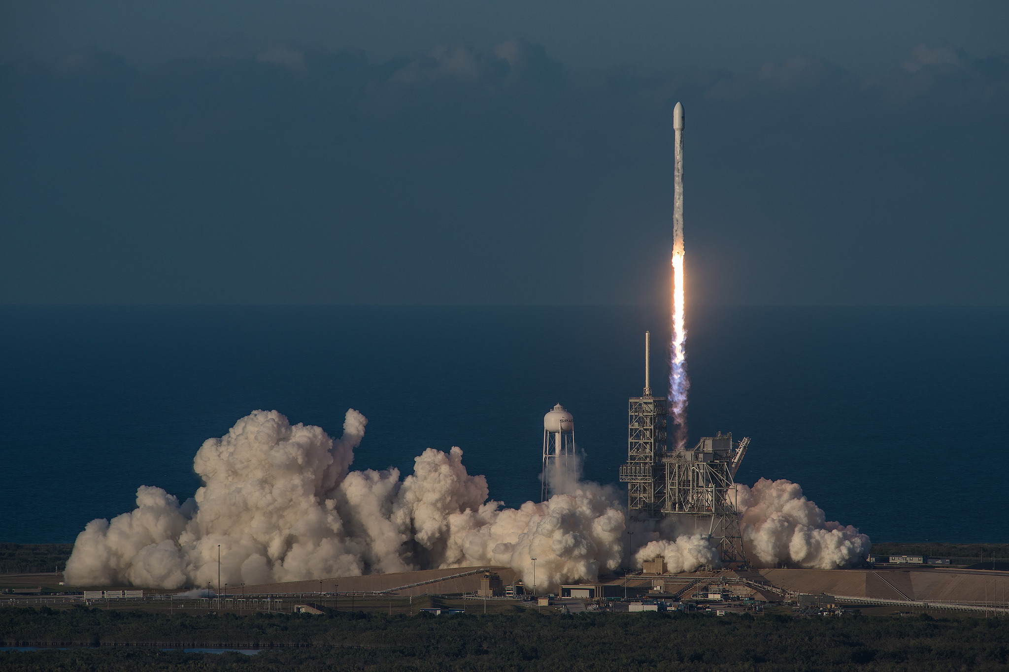 SpaceX Launches Inmarsat 5 F4 Global Xpress Satellite