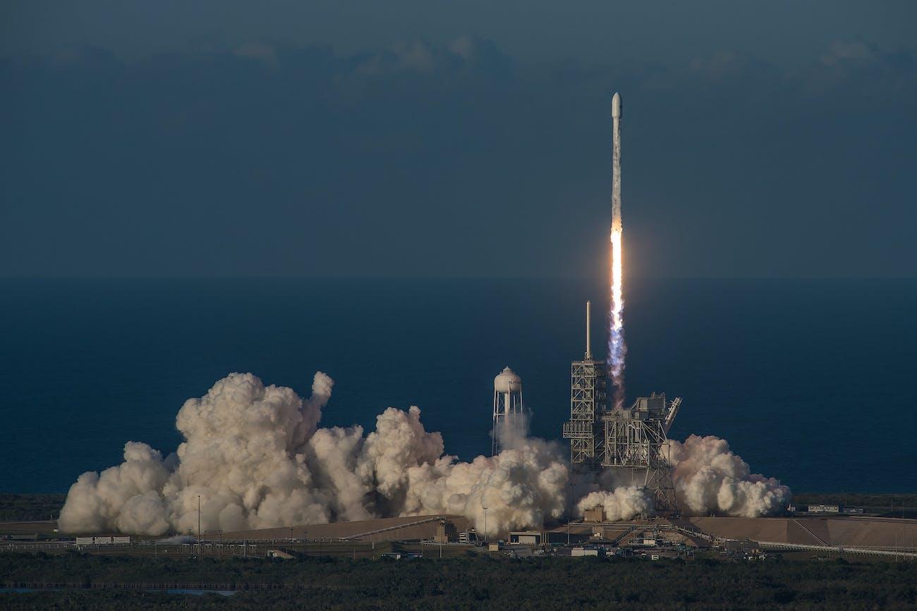 Falcon 9 liftoff inmarsat