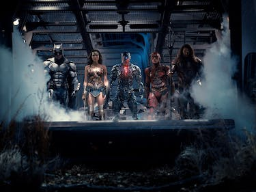 Batman Rallies the Justice League, Sans Superman, In New Photo