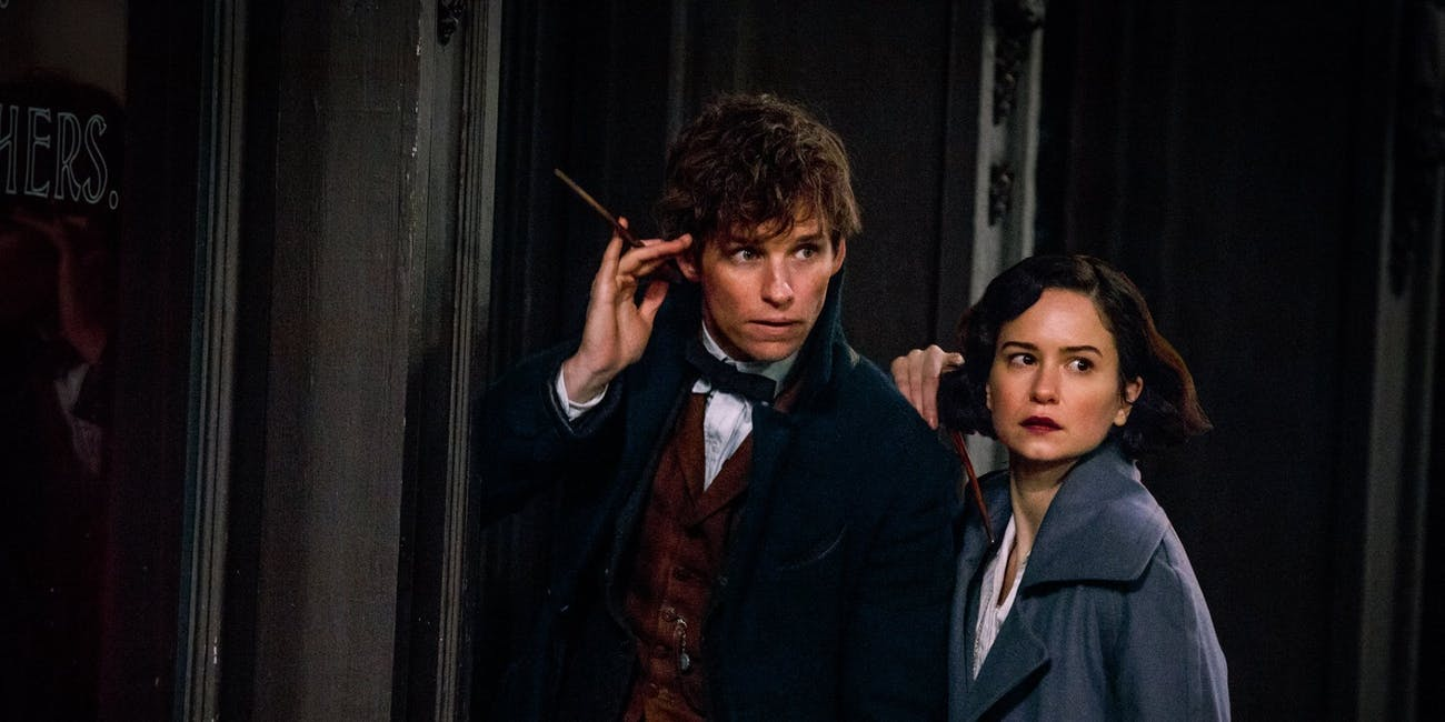 Eddie Redmayne and Katherine Waterston in 'Fantastic Beasts'
