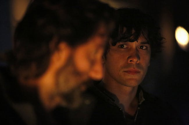 Bob Morley and Henry Ian Cusik in 'The 100'