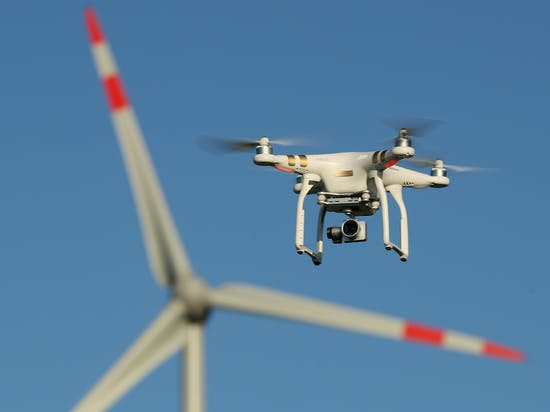 Brain-Powered Drone Swarms Could Seriously Be a Thing