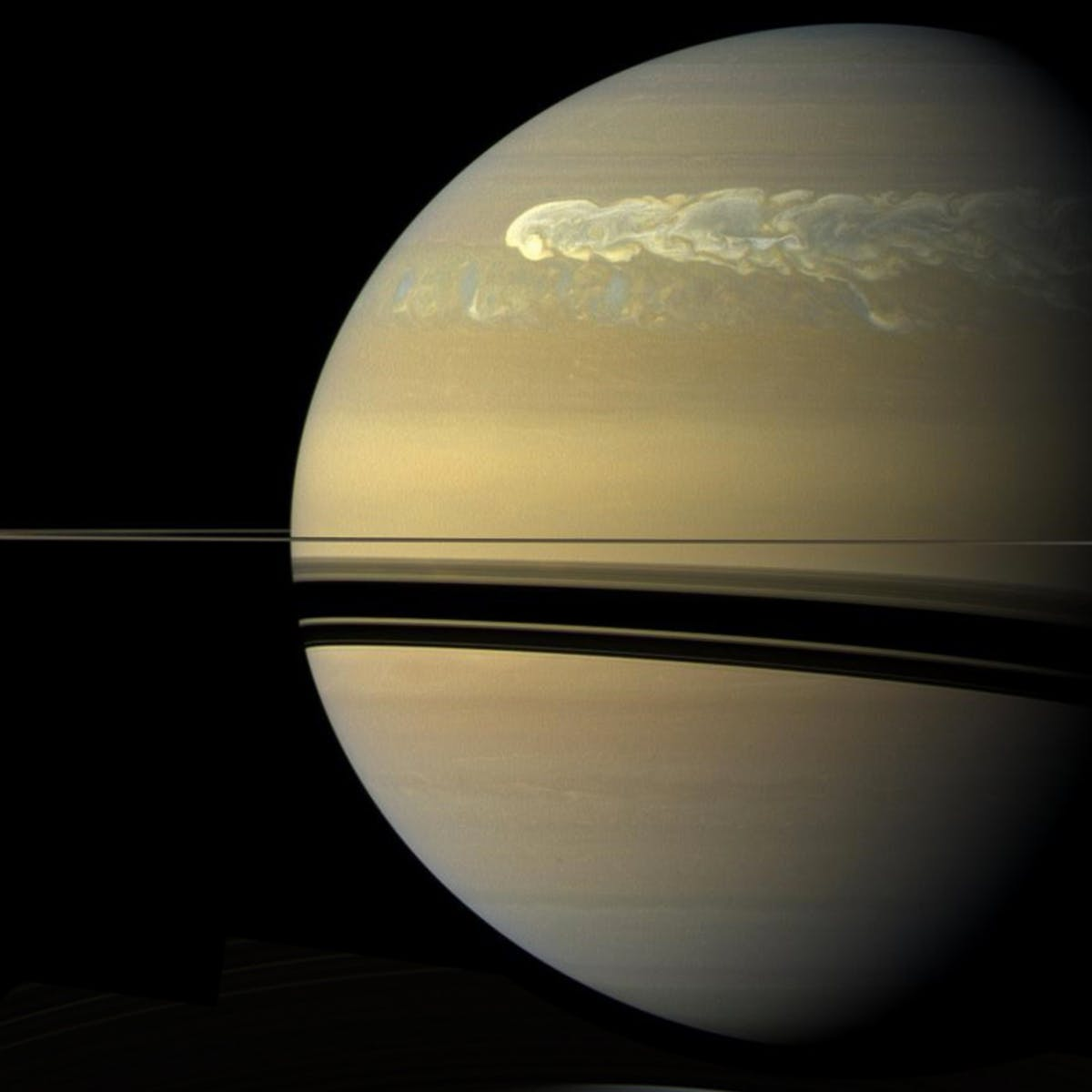 """Where to See Saturn Tonight 2018: """"Saturn in Opposition,"""" Explained"""