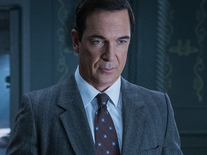 Patrick Warburton as Lemony Snicket in Netflix's 'A Series of Unfortunate Events'