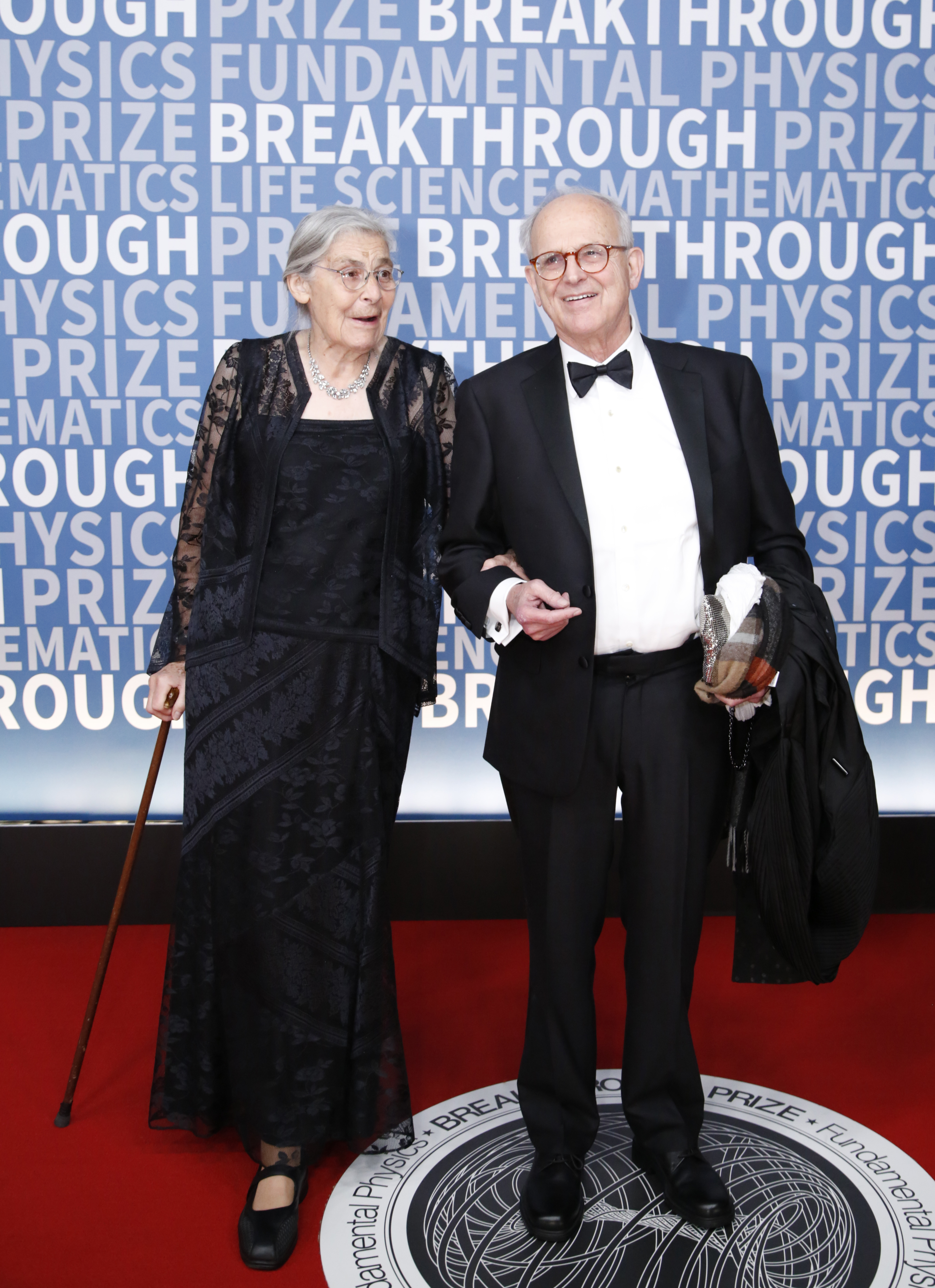 Rebecca and Dr. Rainer Weiss attend the 2017 Breakthrough Prize at NASA Ames Research Center.