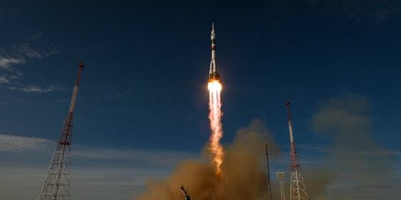 Soyuz TMA-06M rocket launches from Baikonur