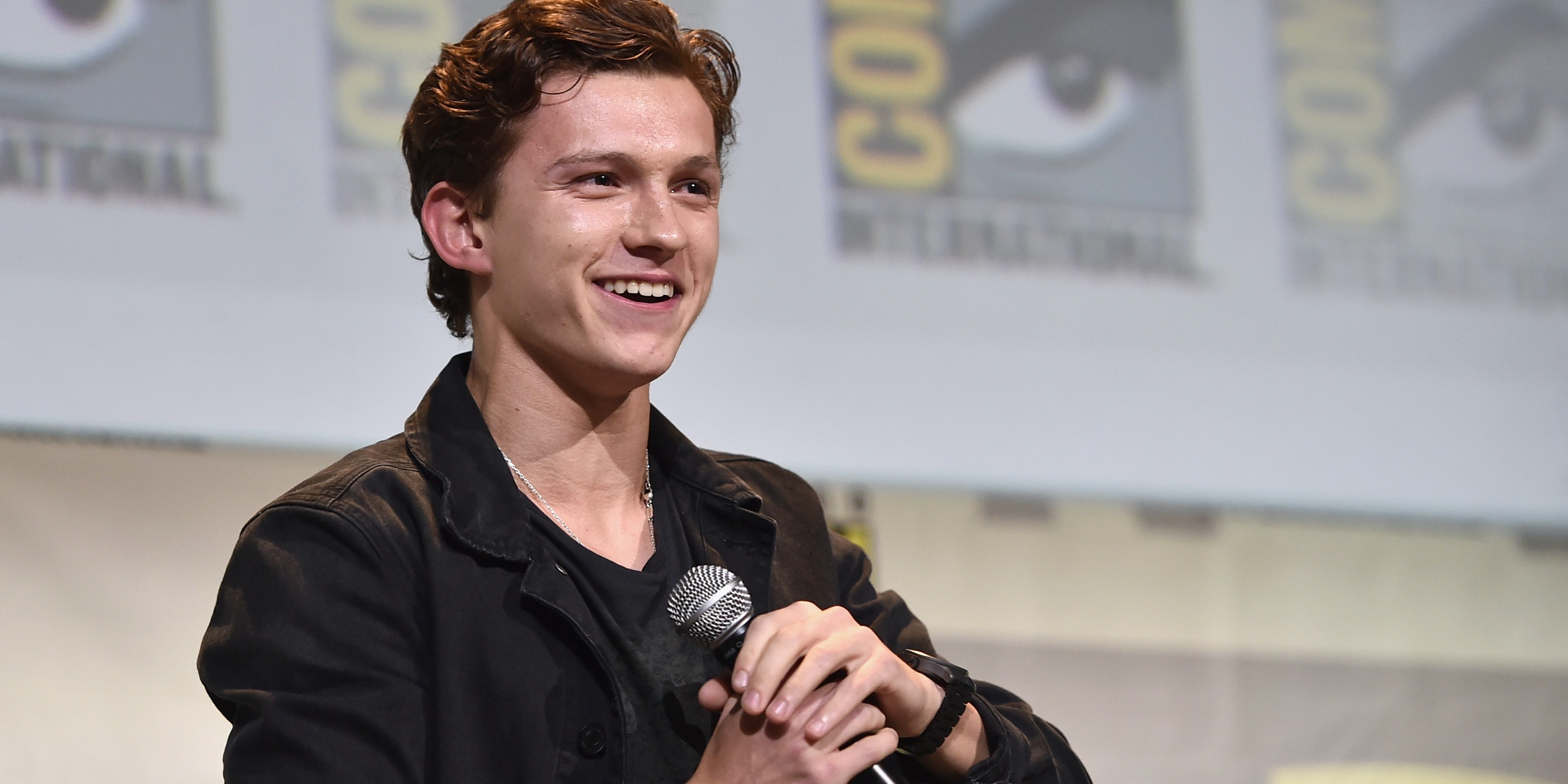 """SAN DIEGO, CA - JULY 23:  Actor Tom Holland from Marvel Studios' 'Spider-Man: Homecoming"""" attends the San Diego Comic-Con International 2016 Marvel Panel in Hall H on July 23, 2016 in San Diego, California. ©Marvel Studios 2016. ©2016 CTMG. All Rights Reserved.  (Photo by Alberto E. Rodriguez/Getty Images for Disney)"""