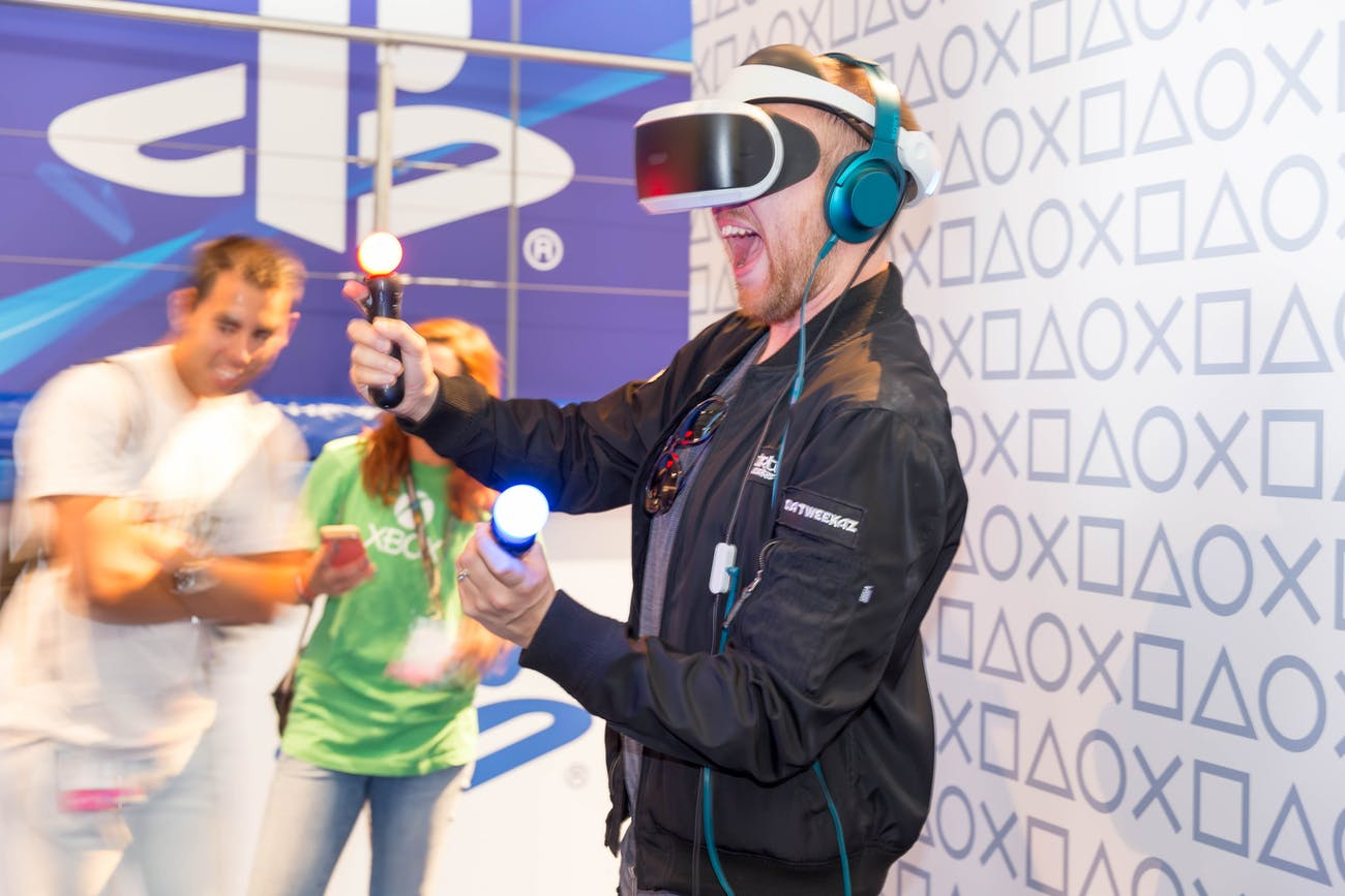 Visitor trying out the PlayStation VR set - Gamescom 2017, Cologne