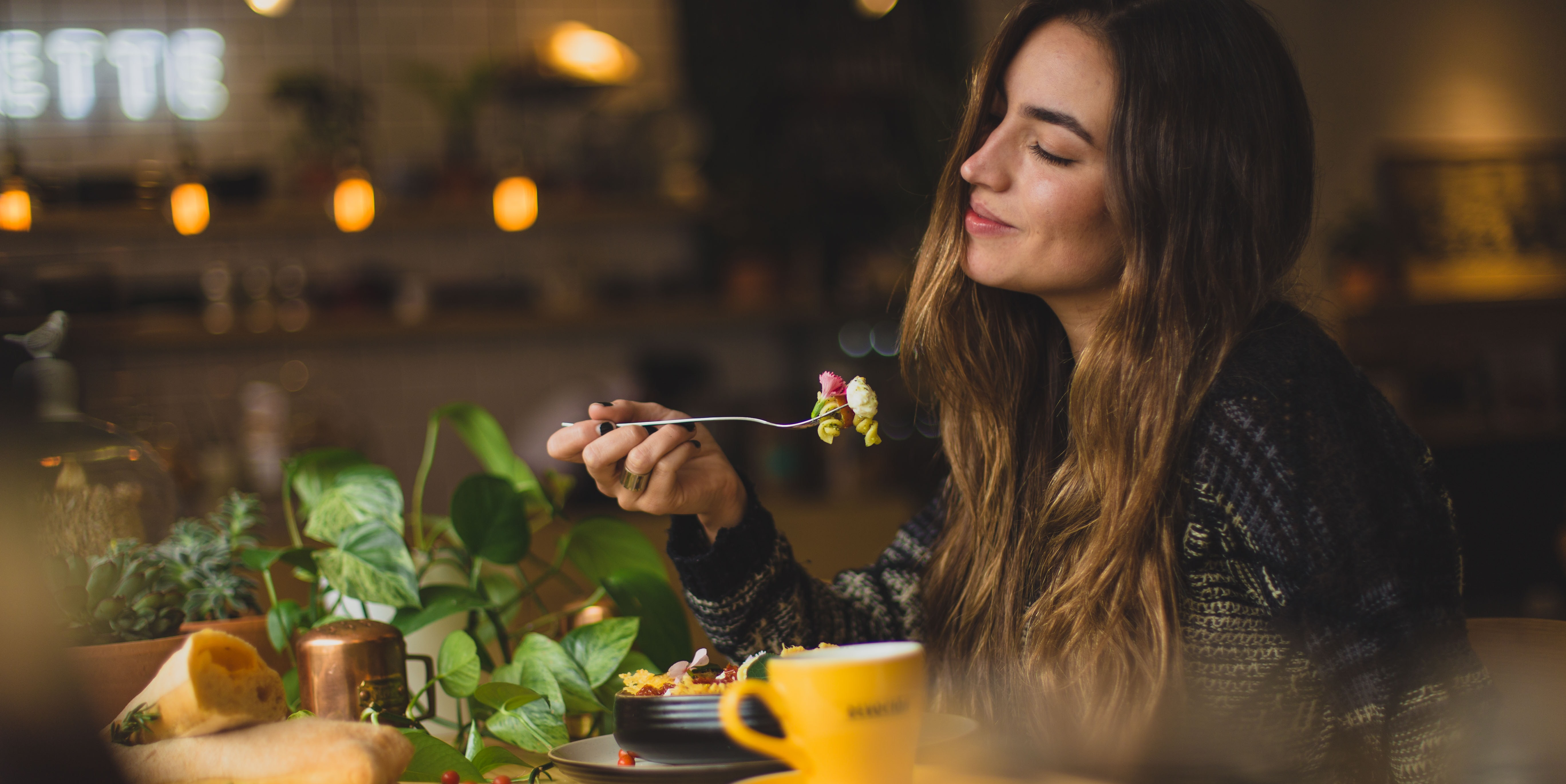 There's a Study-Backed Argument for Eating Alone
