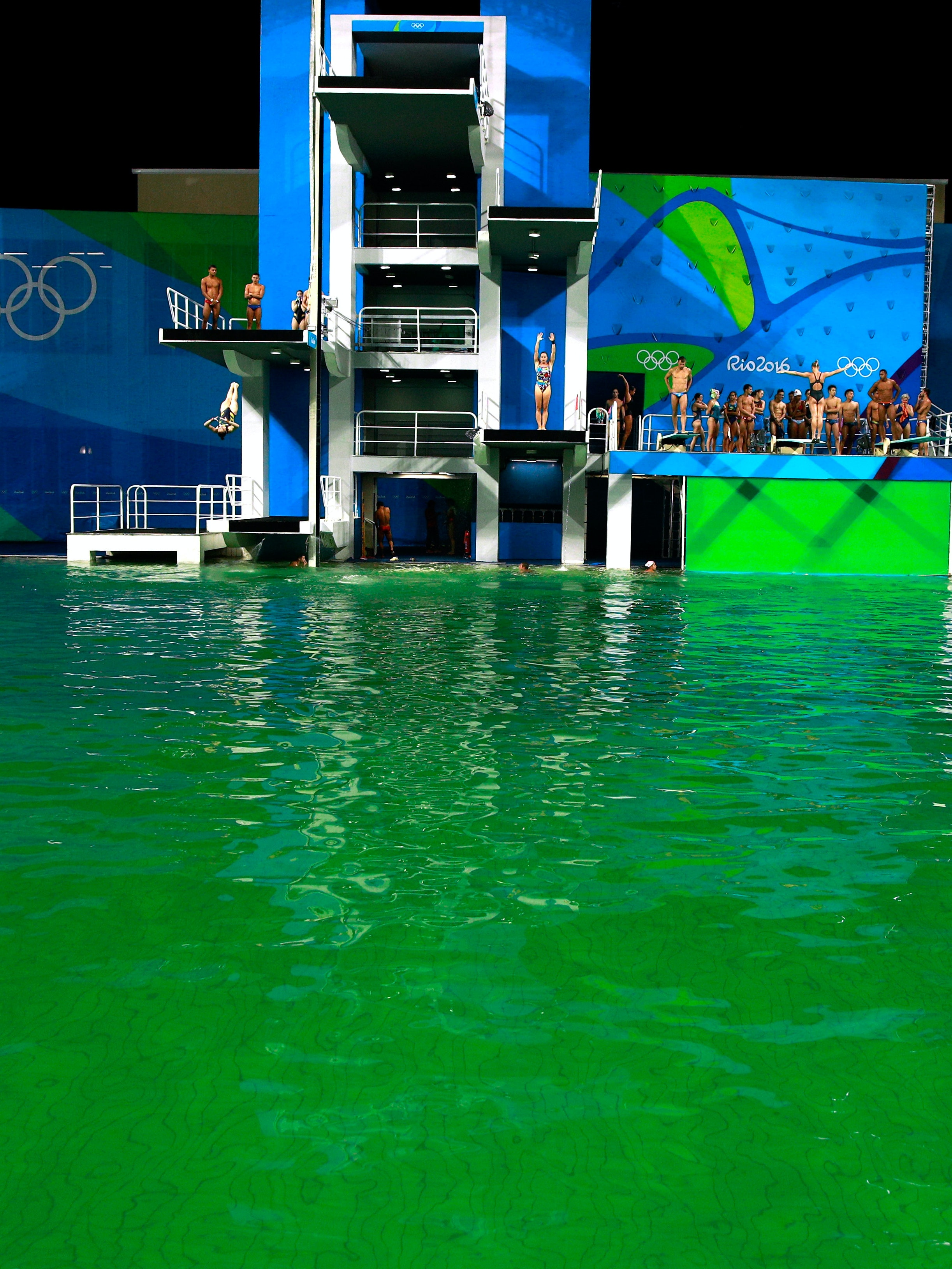 RIO DE JANEIRO, BRAZIL - AUGUST 09:  General view of the diving pool at Maria Lenk Aquatics Centre on Day 4 of the Rio 2016 Olympic Games on August 9, 2016 in Rio de Janeiro, Brazil.  (Photo by Adam Pretty/Getty Images)