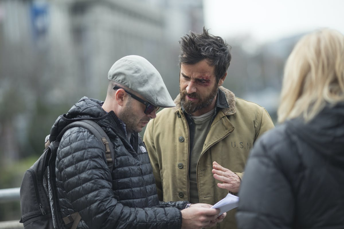 Damon Lindelof and Justin Theroux filming 'The Leftovers' Season 3