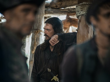 Watch Silver Question Flint in This 'Black Sails' Clip