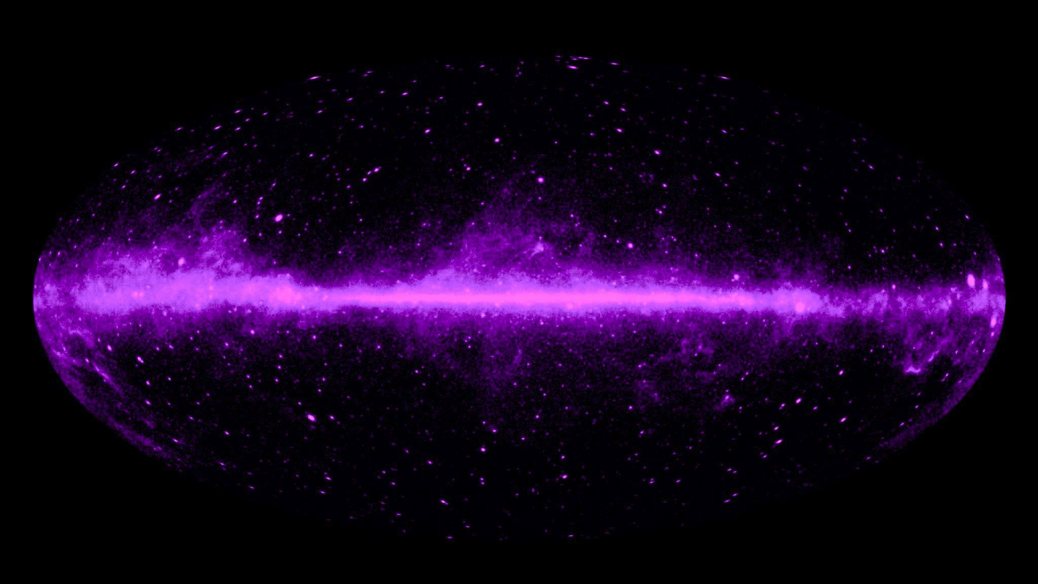 dark matter Dark matter has been cancelled, follow @darkmatterftl for the twitter fan  campaign about dark matter the six-person crew of a derelict spaceship  awakens.
