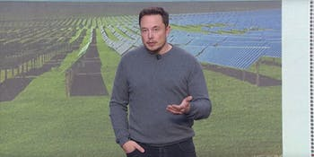 Elon Musk shows off the Tesla Powerpack 2