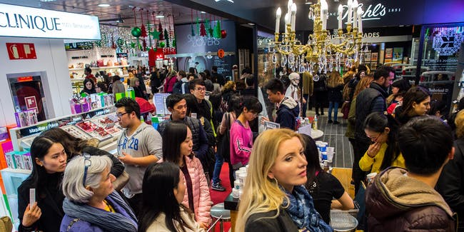 Black Friday bargain hunters hit the streets in Madrid and Barcelona,