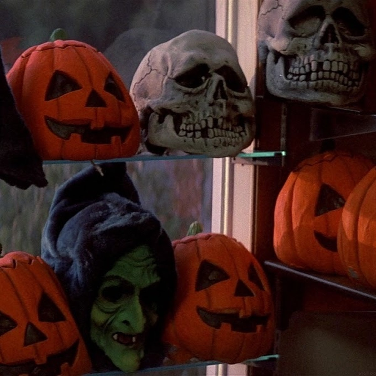 How 'Halloween III: Season of the Witch' Invented the Shared ...