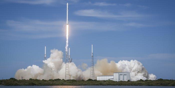 falcon 9 rocket spacex
