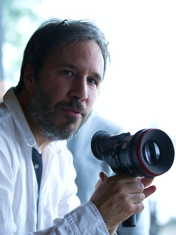 Denis Villeneuve's 'Arrival' primes him for 'Blade Runner 2049'.