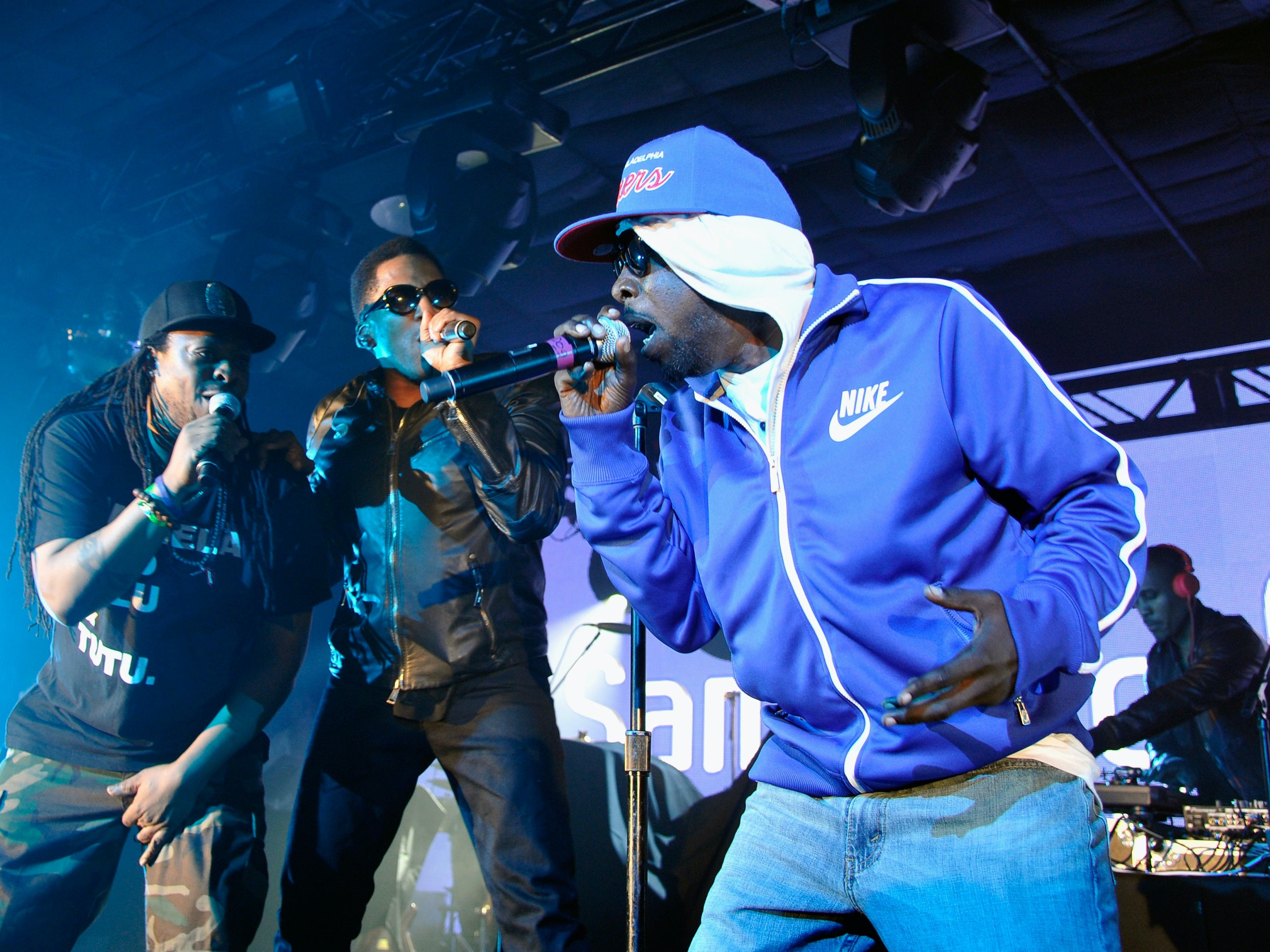 AUSTIN, TX - MARCH 16:  (L-R) Musicians Jarobi White, Q-Tip, Phife Dawg and Ali Shaheed Muhammad of A Tribe Called Quest perform as Samsung Galaxy Sound Stage presents A Tribe Called Quest and Prince at SXSW on March 16, 2013 in Austin, Texas.  (Photo by John Sciulli/Getty Images for Samsung)