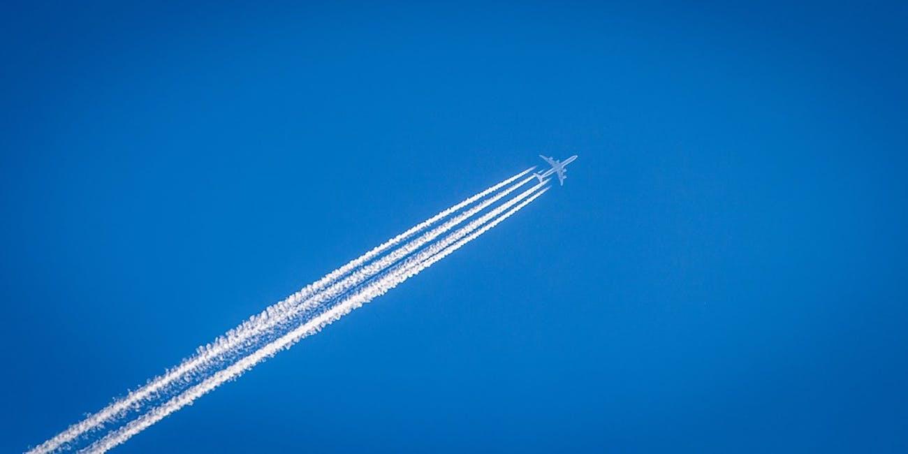 contrails, planes, chemtrails