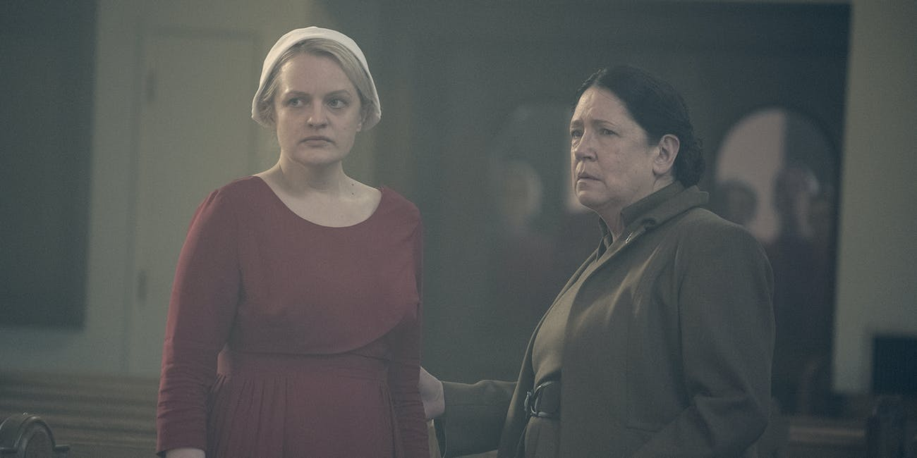 Aunt Lydia June The Handmaid's Tale Season 3