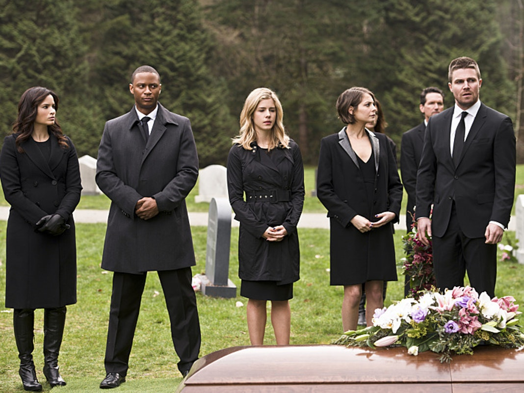 'Arrow' Love Triangle With Black Canary and Felicity Outrages Fans