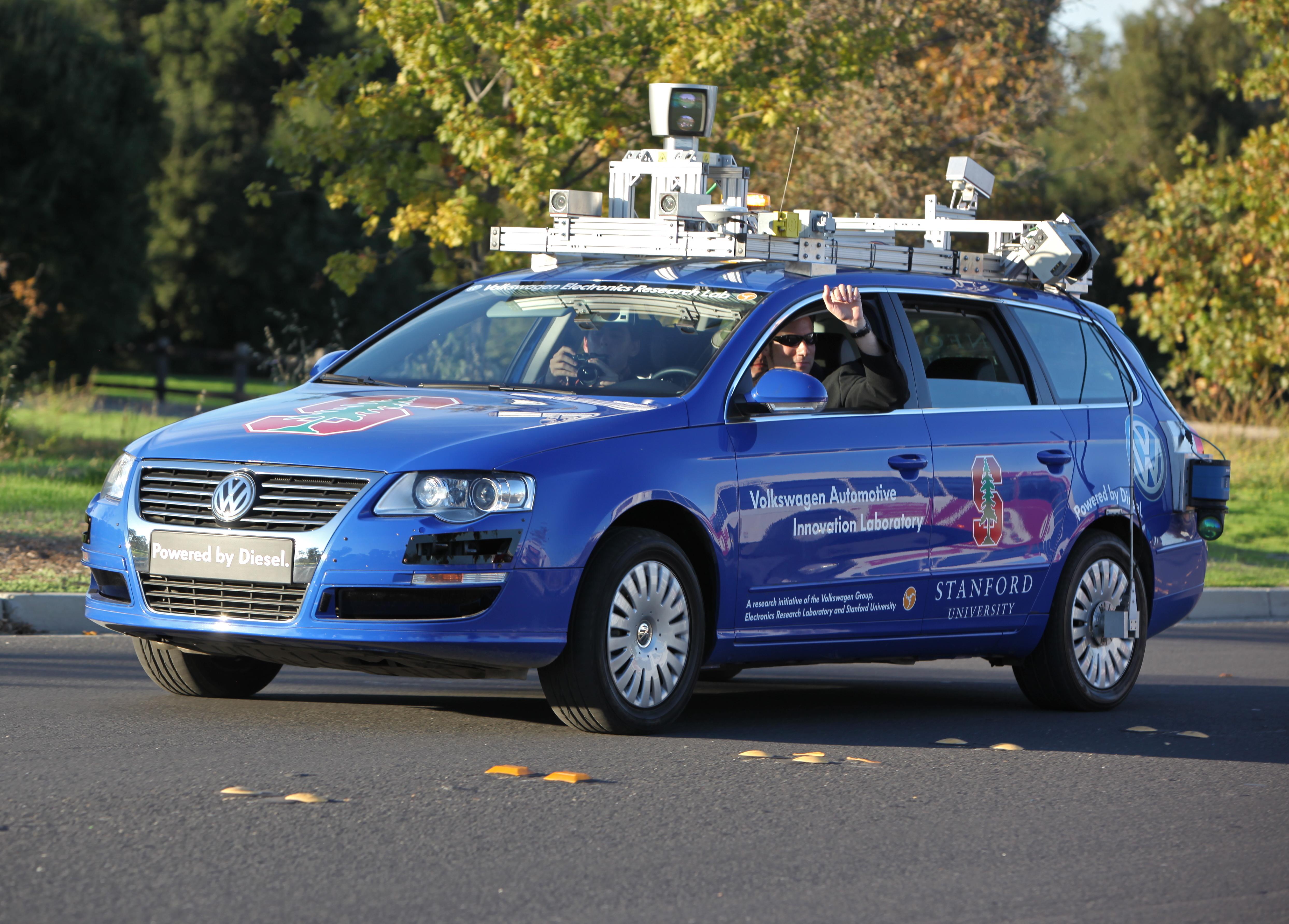 inverse.com - Mike Brown - 2019 Tech Predictions: An Autonomous Car Travels Across the United States