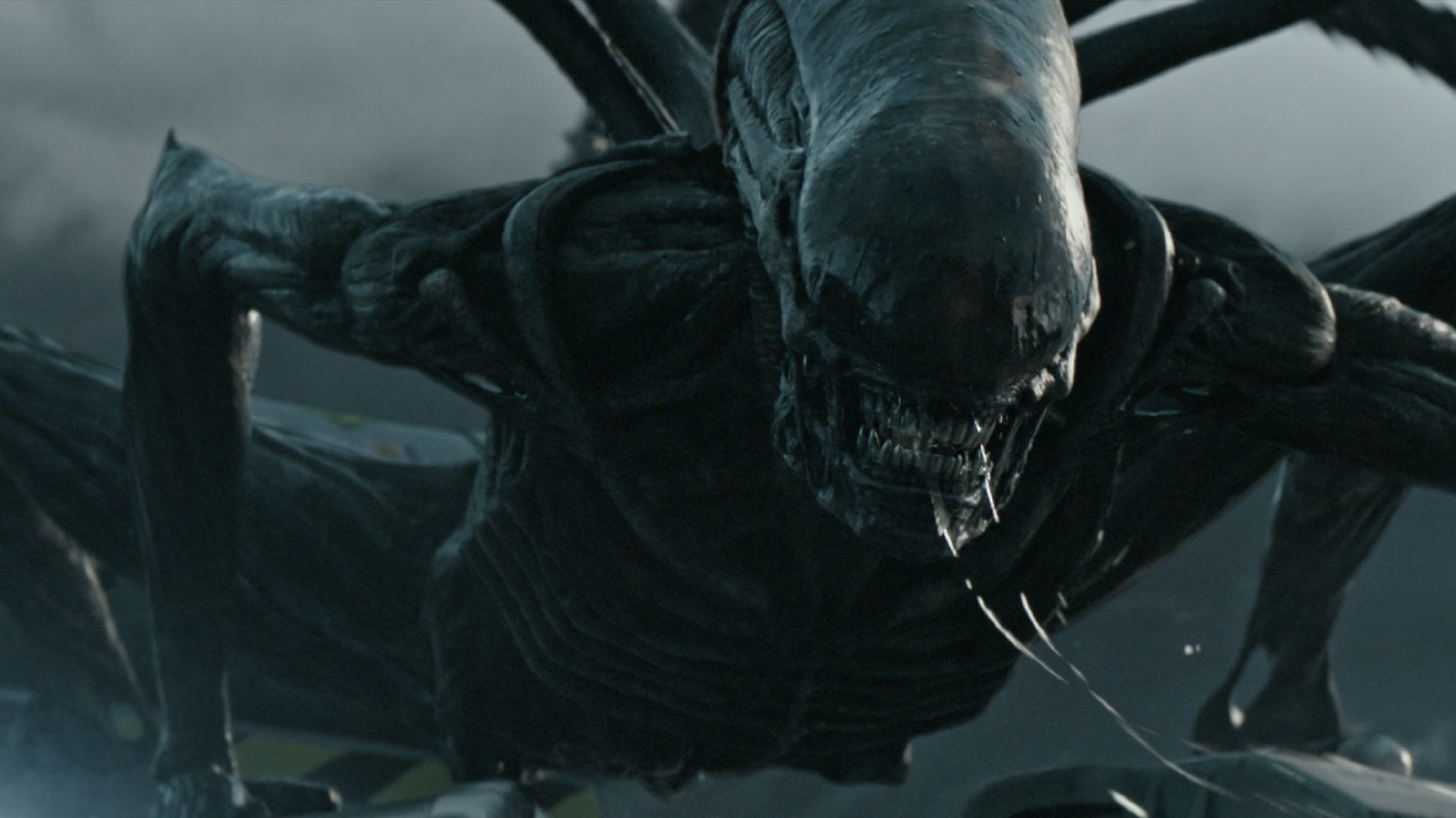 Scary space movie dethrones amusing space movie at USA box offices