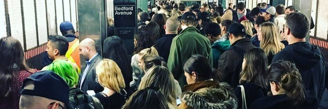 Bedford Ave L stop crowds